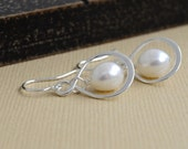 Sterling silver infinity earrings with freshwater pearl- wedding party favors - bridesmaid, sister, best friend, sister of bride..e3