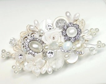 Bridal Hair Comb,Bridal Clip- Pearls, Crystal,Rhintesones-Vintage Hair Piece-Ivory Hair Accessories-Wedding Hair Accessories-Pearl Hair comb