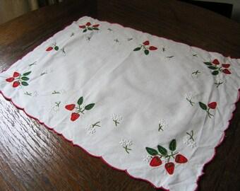 Vintage Strawberry Dollie, Retro White Cotton Dollie with Embroidered Strawberries, Vintage Strawberry Doily, Vintage Table Decoration