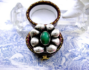 Danish Skonvirke Arts and Crafts Silver Ring with Malachite c1910