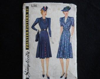 Vintage 1939 Simplicity 3286 Pattern for dress.