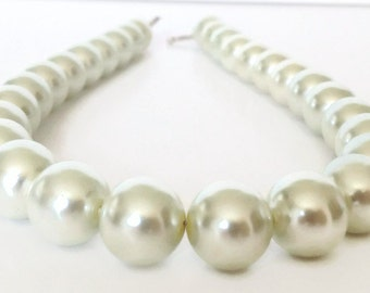 Chunky Pearl Necklace, Pearl Strand Necklace, Ivory Pearl Necklace, Glass Pearl Necklace, Pearl Statement Necklace, Faux Pearl Necklace