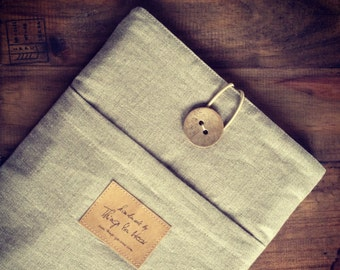"Macbook AIR 11 inch sleeve, macbook case cover with pocket, handmade wooden button ""simply linen"""