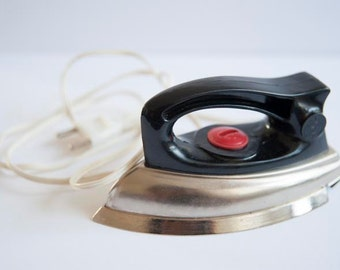 Vintage 60's Electrical Iron from Juguetes Joal