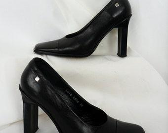 80s Pierre Cardin Paris black leather pumps/ sculptured  high heel/ avant garde: size FR36/ US 5.5