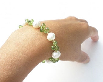 Natural Gemstone Peridot Briolettes  - Natural Fresh Water White Pearl - 14k Yellow Gold Filled Bracelet