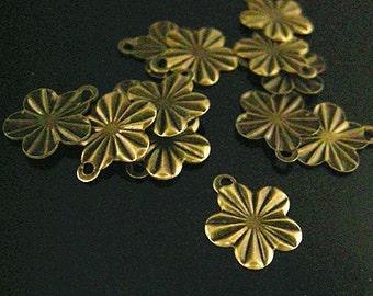 50pc 13x12mm antique bronze finish iron flower pendants/drops-7208H