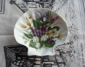 Sweet Touch of Spring, Royal Stafford Shell Trinket Dish, made in England, Victoria's Secret