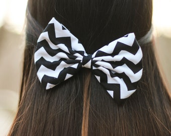 Black Chevron/Zig-Zag Printed Hair Bow