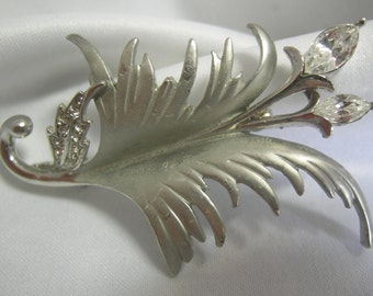 Silver Tone Leaf and Marquis Cut Rhinestone Floral Motif Brooch Pin - Unsigned - Vintage