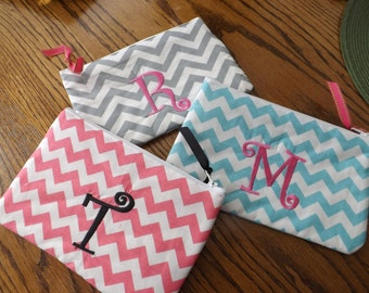Chevron makeup bags  /  gifts for Bridesmaids  / Graduation Gifts / Birthdays / Cheerleader squads /Monogram included