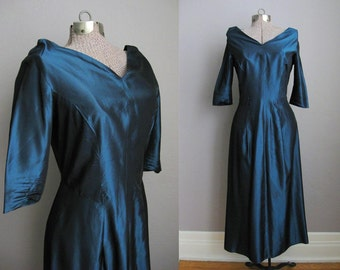 1950s Vintage Dress Green Taffeta 50s Cocktail Party Dress Off Shoulder Long Sleeve / Small