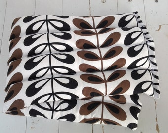 Microwave Therapy Rice Bag in Modern Brown and Black Vine Pattern