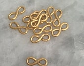 Infinity Connector, GOLD, Hammered, Pewter, Figure Eight Jewelry Supplies