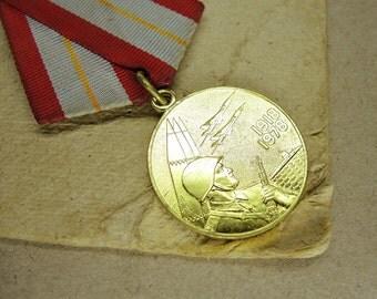 Vintage Soviet Medal - f195