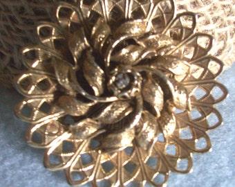 VINTAGE BROOCH, PIN Flower Design, Gold Tone
