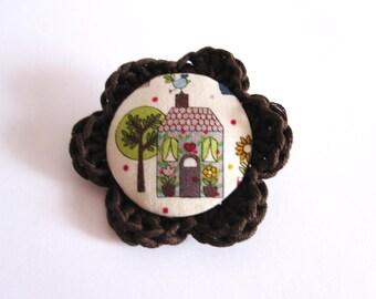 Handmade house pin / brown and white home brooch / woodland kawaii accesories