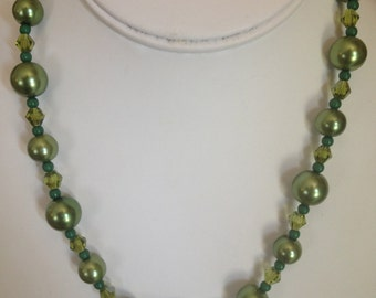 Green Pearl Necklace.