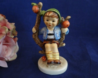 Mint Vintage Hummel Herbst Apple Tree Boy - 142 3/0  TMK7