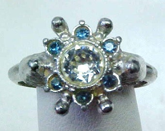 Vintage AVON rhinestone Adjustable Ring - silver tone