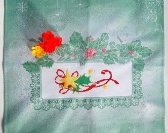 Christmas, cross stitch, ready to ship,green towel, handmade,kitchen, home, house,gift, present,cotton fabric, cotton Thread, DMC,Italy