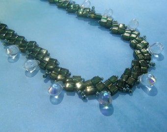 Green St. Petersburg Chain with Clear Drop Beads