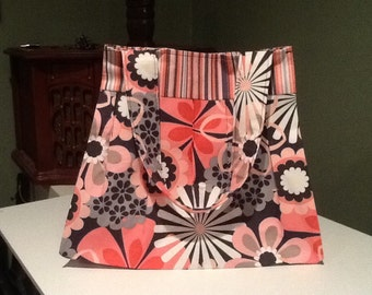Beautiful Pleated Pink Flowered Purse