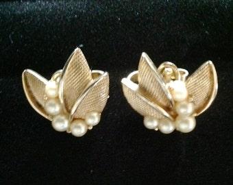 Vintage Crown Trifari Triple Leaf w/ Pearlls Earrings