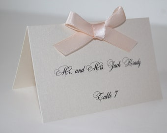 Place cards with ribbon bow