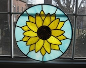 Sunflower Round Stained Glass Panel / Suncatcher - Nature Decor - Stained Glass Flower - Housewarming Gift - Mothers Day Gift