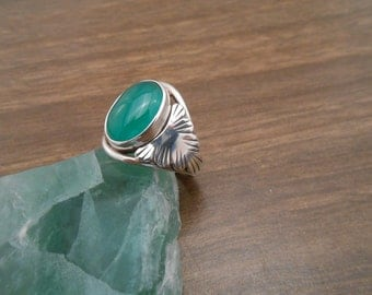 ladies green Chinese agate ring