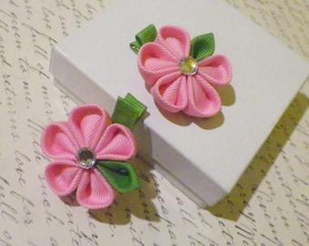 Light Pink and green Kanzashi flower alligator clip