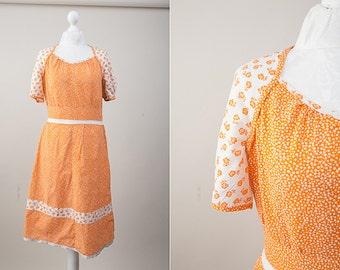 Vintage Orange and White Cotton Floral Summer Dress / Size S-M / 60s Costume / 1960s Gown / Garden Party Dress / Day Dress