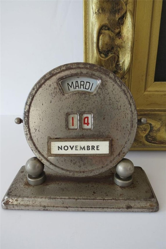 Perpetual Calendar Vintage : Vintage perpetual calendar french art deco metal round manual