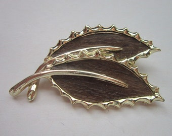 Vintage Sarah Coventry Faux Wood & Gold Tone Leaf Brooch Pin