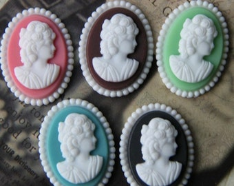 12 pcs of resin elegant lady cameo with beaded edge  RC0167