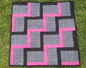 Baby Quilt - Zig Zag - Pink Black and Gray