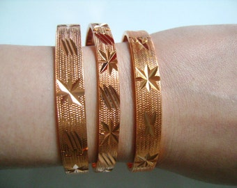 3 SOLID COPPER Embossed Starburst Design Etched Pattern Hinged Bangle Bracelets W/ Safety Chain Ladies Women Woman Jewelry Accessories 80.4g