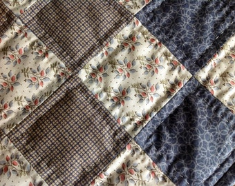 Grey and Cream Squares Table Mat