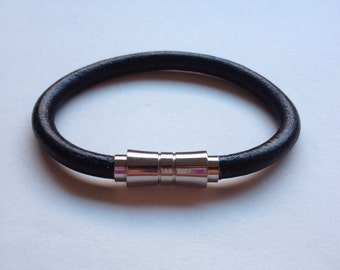 gift ideas. black leather bracelet, hadmade bracelet, handcrafted bracelet, leather bracelet, men bracelet, magnetic methal clasp