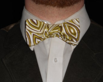 Concentric Striped Olive-leaf Thistle/Butterfly Cotton Bowtie--Adjustable, Easy-fastening