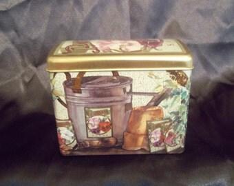 Pansy tin box