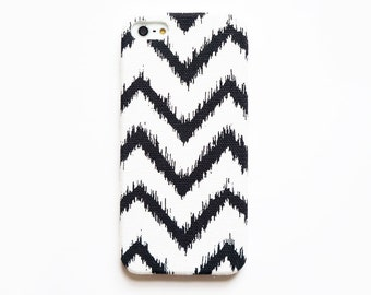 Chevron iPhone case, iPhone 5 case, iPhone 4s case, iPhone 4 case, Black and white iPhone case