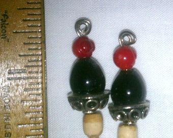 MK201 Black/Red Beaded Knitting Needles ... US Size 2 (2.75 mm)