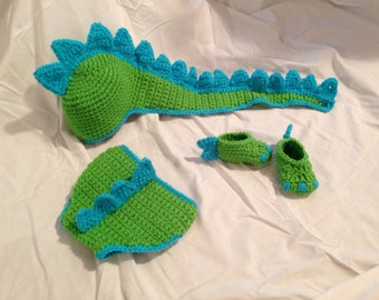 Crocheted Baby Dinosaur Hat Diaper Cover & Shoe Photo Prop Set