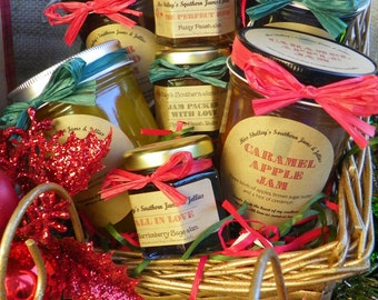 Christmas Special - Holiday Jam Gift Basket - 4 (8oz) jars, 2 (4oz) jars, 2 (2oz) jars, 4 (1.5oz) jars, 2 (2oz) honey jars