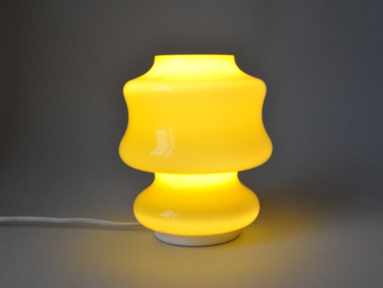 vintage mid century modern lampe glas berfang gelb tischlampe. Black Bedroom Furniture Sets. Home Design Ideas