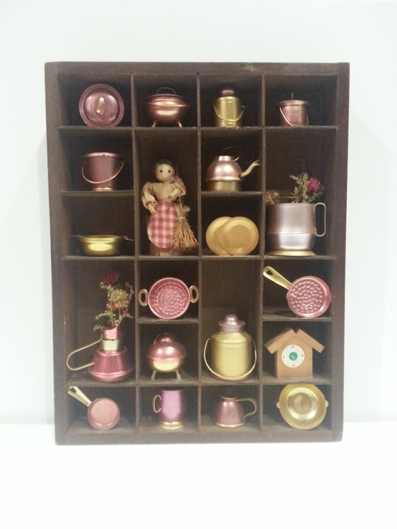 wood curio shelf case wall hanging with 20 pc set instant. Black Bedroom Furniture Sets. Home Design Ideas