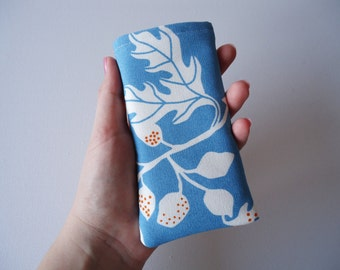 iPhone 5 and 5S sleeve, blue phone sleeve with leafy print