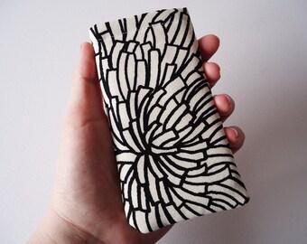 iPhone 5s sleeve, dandelion smart phone sleeve, black and beige